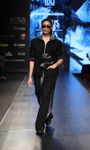 Collection by Pawan Sachdeva showcased at FDCI LMIFW SS'20 (4)