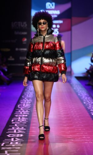 Collection by SHIVAN & NARRESH presented by CHIVAS MUSIC CDs shoowcased at FDCI LMIFW SS'20 (16)